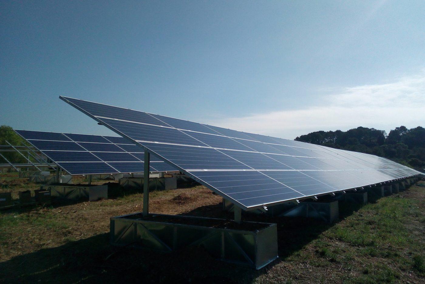 panneaux-photovoltaiques-aubais