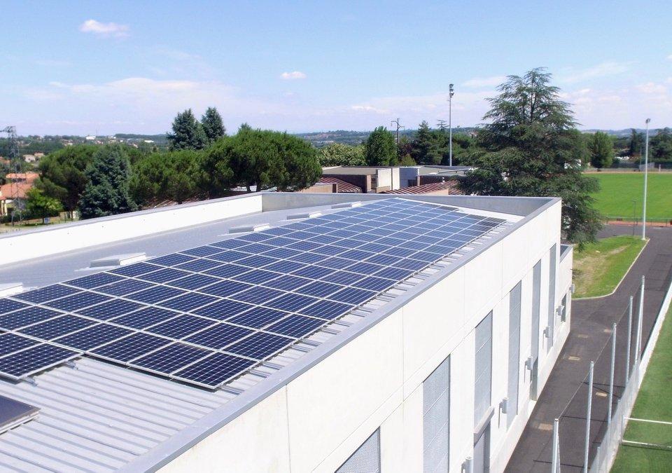 Centrale photovoltaïque (36 kWc) sur le toit du gymnase Georges Beyney à L'Union (Citoy'enR)