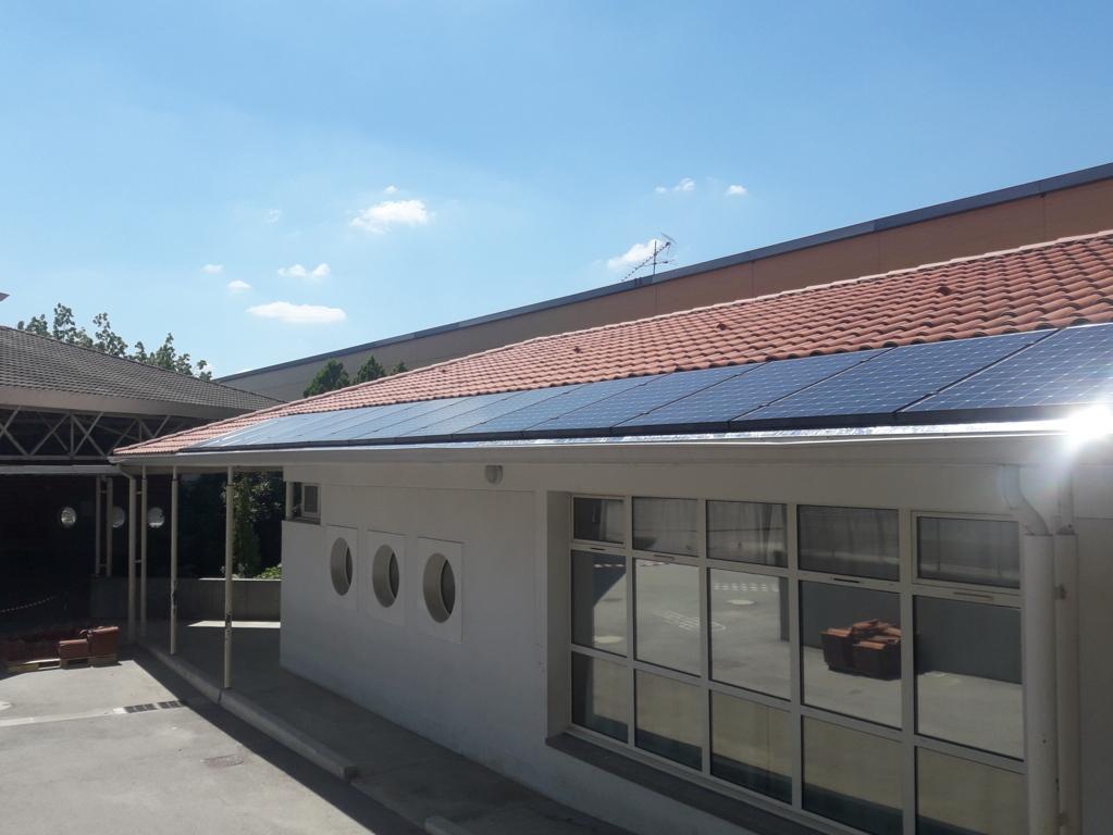 Centrale photovoltaïque (9 kWc) sur le toit du groupe scolaire Borde d'Olivier à L'Union (Citoy'enR)