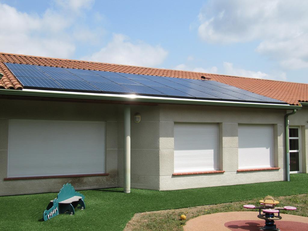 Centrale photovoltaïque (9 kWc) sur le toit de la crèche Bernadette Didier à Muret (Citoy'enR)