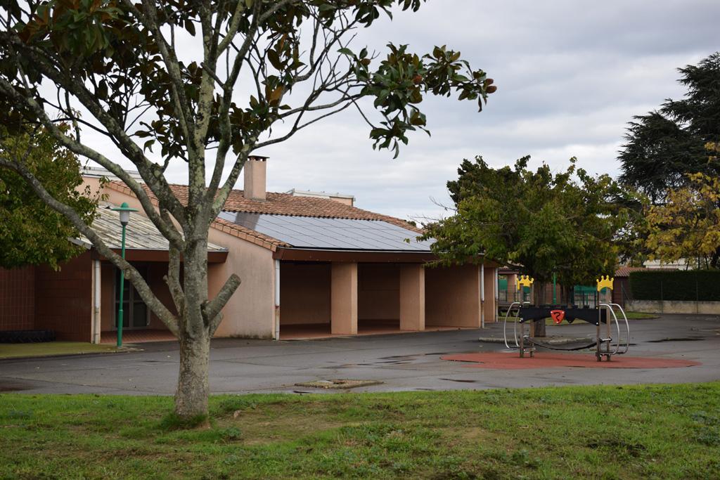 Centrale photovoltaïque (9 kWc) sur le toit de l'école Petit Chêne à Tournefeuille (Citoy'enR)