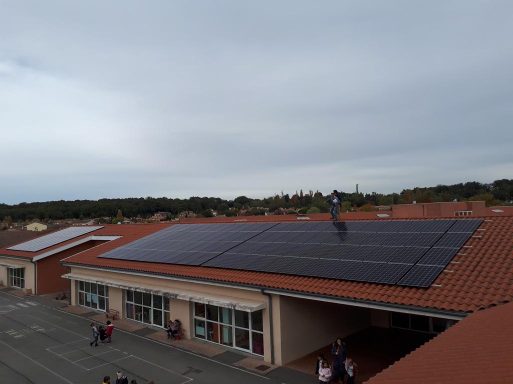 Centrale photovoltaïque (36 kWc) sur le toit du groupe scolaire Le Petit Train à Tournefeuille (Citoy'enR)
