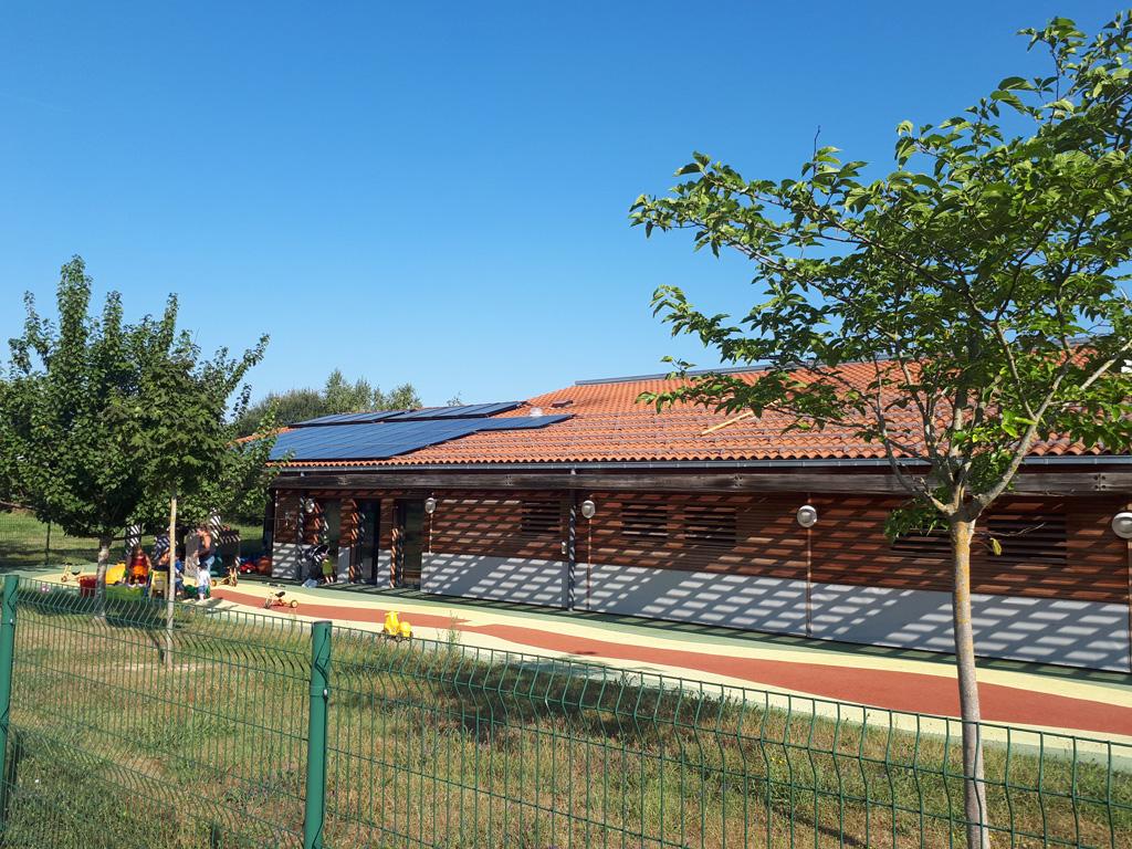 Centrale photovoltaïque (29 kWc) sur le toit de la crèche Les Petits Lutins à Fonsorbes (Citoy'enR)