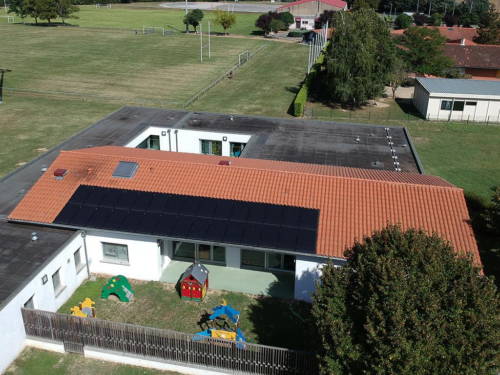 Centrale solaire citoyenne d'ICEA EnR sur le toit de la crèche d'Ayguesvives (9 kWc, mise en service le 11/09/2018)