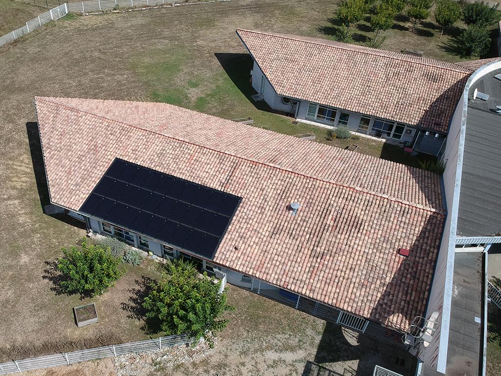 Centrale solaire citoyenne d'ICEA EnR sur le toit de l'école maternelle de Labège (/ kWc, mise en service le 28/08/2018)