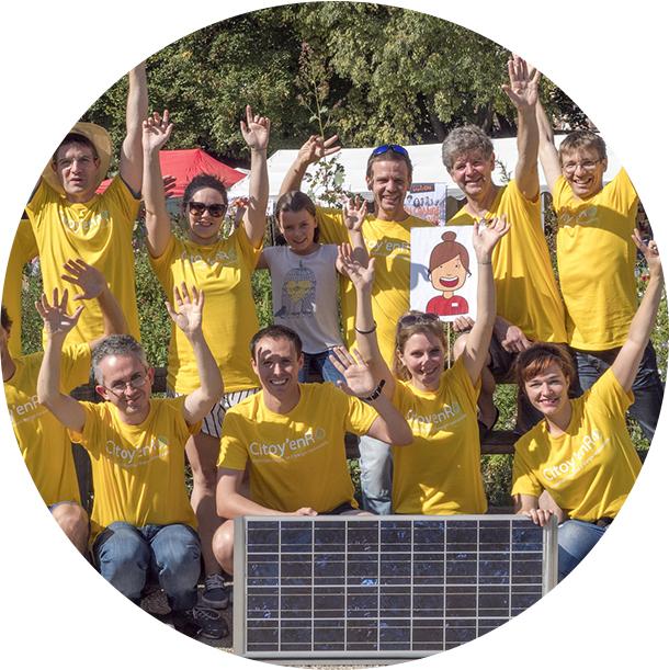 Photo : membres du projet d'énergie citoyenne solaire Citoy'enR soutenu par Energie Partagée