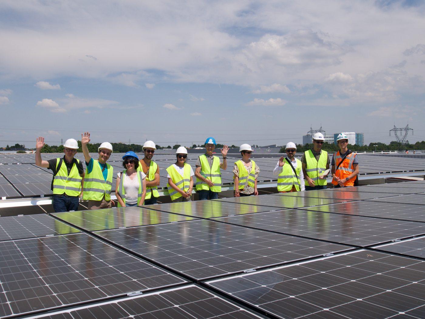 Les premiers coopérateurs de MINaWatt visitent leur centrale solaire