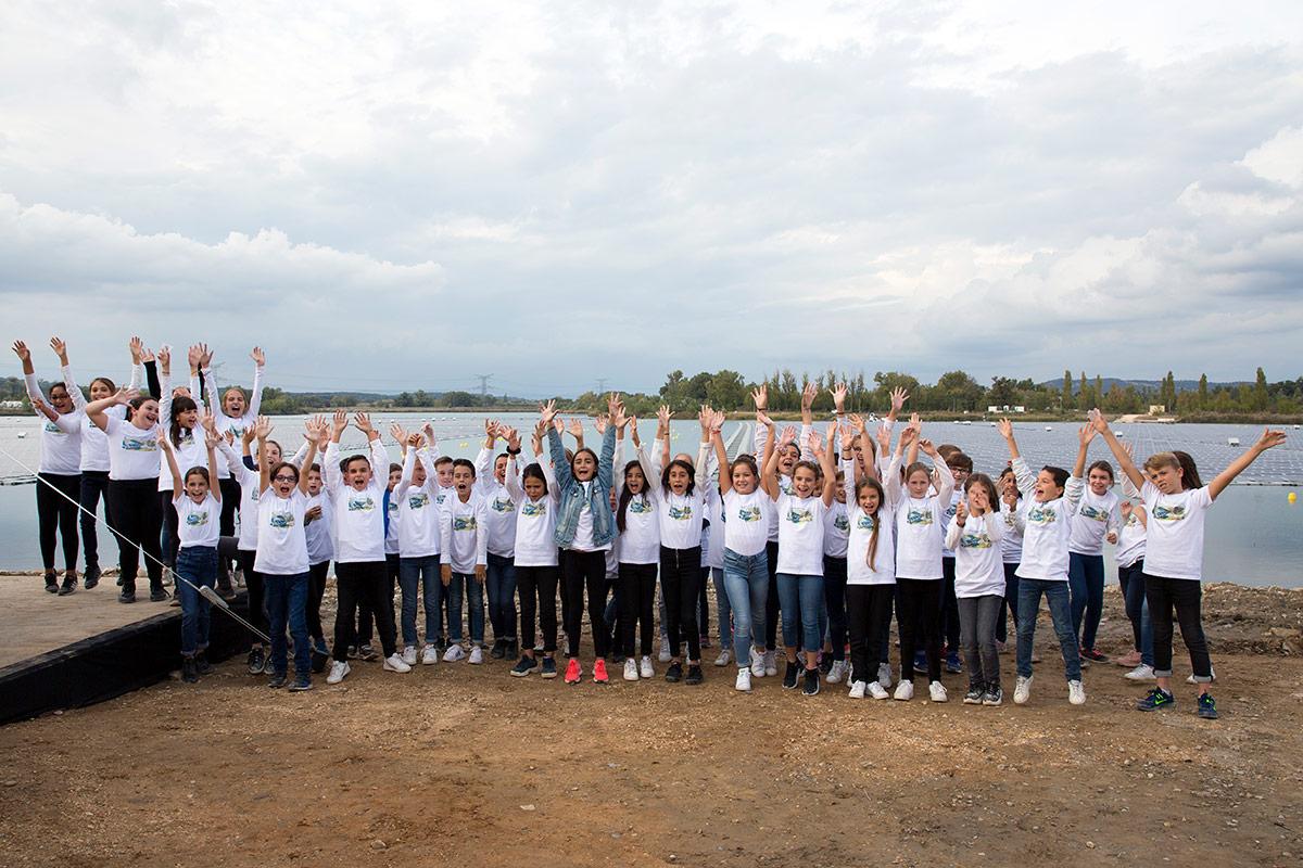 Les enfants de l'école de Piolenc se sont impliqués dans la réalisation du parcours pédagogique sur le site de la centrale solaire flottante O'MEGA1