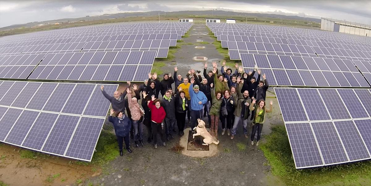 Parc solaire de Alcolea del Río (puissance : 2160 kWc), en Andalousie, intégralement financé par les sociétaires de Som Energía.