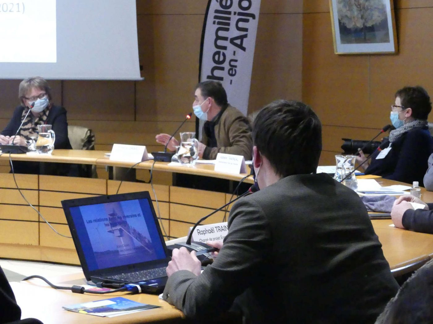 Raphaël Traineau d'Énergie Partagée expose nos propositions pour lever les obstacles à l'essor des projets citoyens d'énergie renouvelable.
