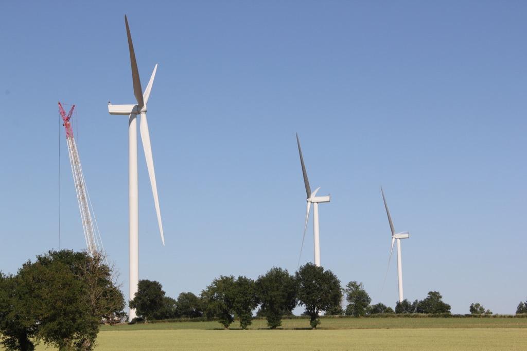 Les 3 éoliennes du parc citoyen Mauges Éole Grands Fresnes sont debout !